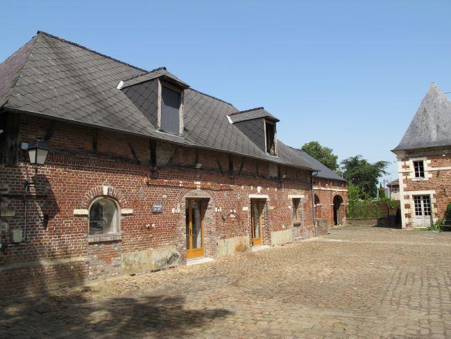 Très beau manoir restauré du XVIIIème siècle avec ses  ~ Beaugies Sous Bois