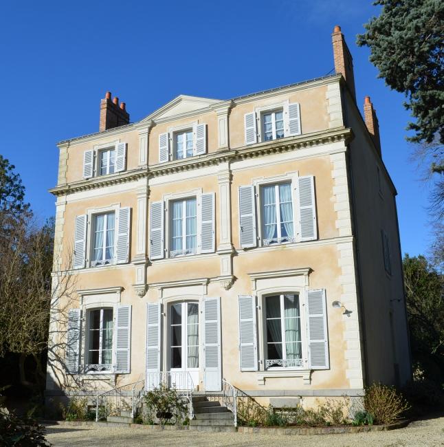 Vente Maison 9 chambres - 14 pièces - 377 m² à Laval (53000)