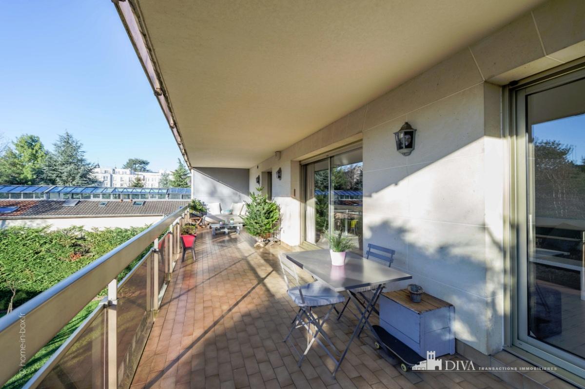 Splendide appartement terrasse de 90m proximit du for Terrasse et appartement