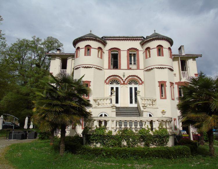 vente de prestige château 9 pièces LANNEMEZAN 65130