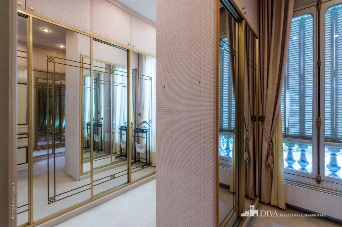 exceptionnel h tel particulier napol on iii aux portes du bois de vincennes et 12 39 de paris. Black Bedroom Furniture Sets. Home Design Ideas