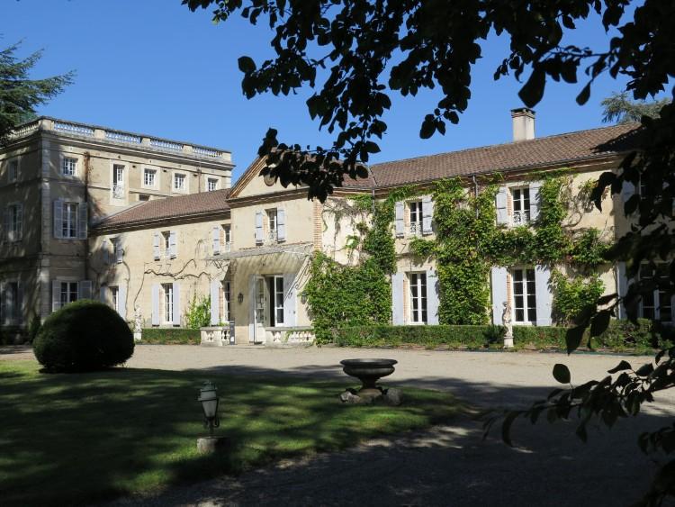 Magnifique château 18ème sur la Garonne, rénovation de grande qualité. 1  heure de Toulouse d7746a08e0e